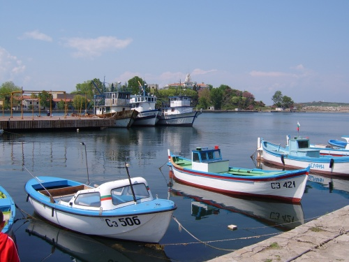 Морская рыбалка в Болгарии возможна с экскурсионного катера