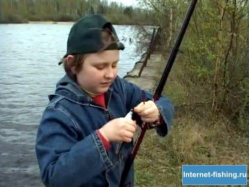 Ловля уклейки доставляет много радости детям и женщинам